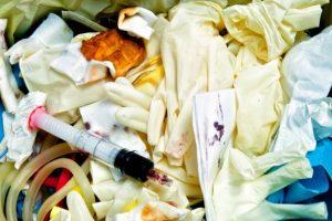 Gestione rifiuti, da quelli urbani a quelli speciali: come si smaltiscono