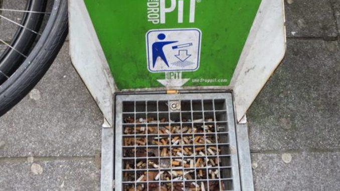 Mozziconi di sigaretta? In Belgio arrivano i posacenere a pavimento