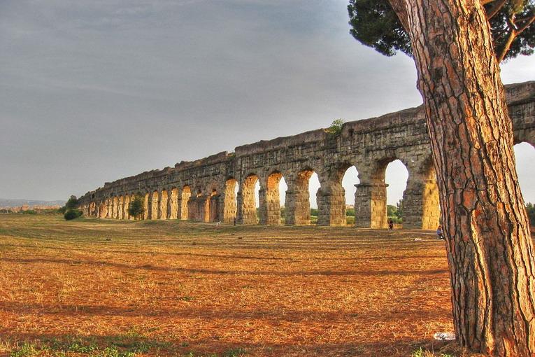 Parco degli Acquedotti, non solo natura ma tanta storia