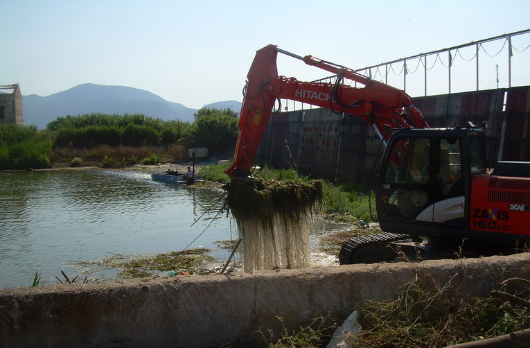Terracina, terminata la pulizia dello sgrigliatore di via Passerelle