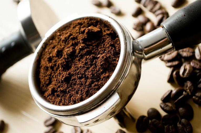 Riciclo, come utilizzare i fondi del caffè