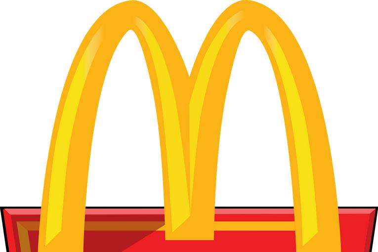 Plastica, anche McDonald's verso il Plastic Free