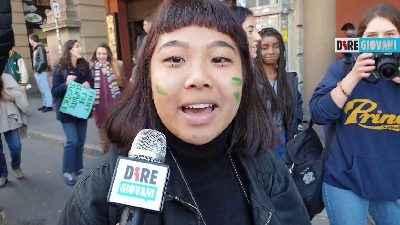 Fridays For Future, a Bologna altro che black è il block friday