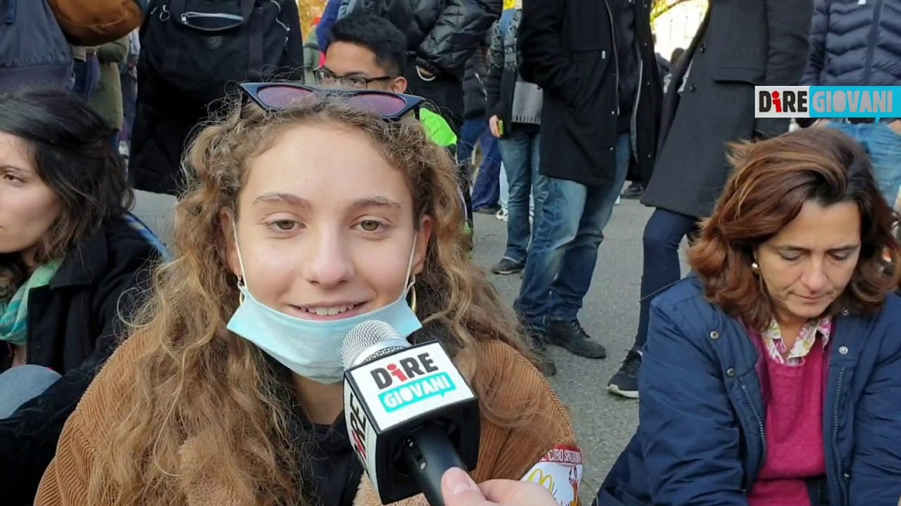 Fridays For Future, Milano, sciopero partito da piazza Cairoli