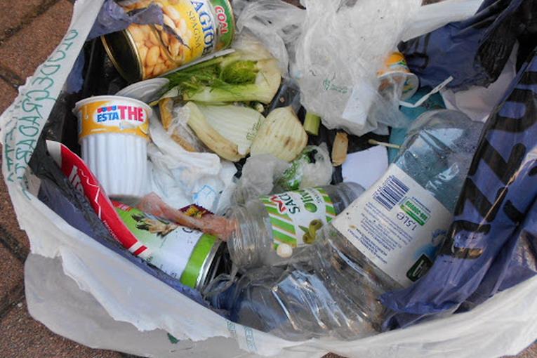 Secco residuo, solo materiali non riciclabili