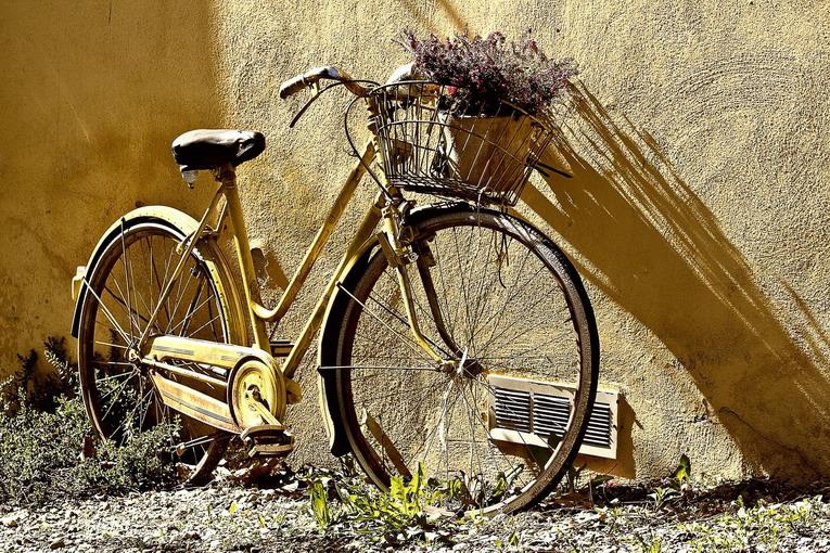 Piste ciclabili, siamo troppo indisciplinati