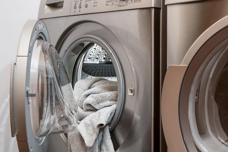 Lavatrice, quanto sapone ci va messo per inquinare meno?