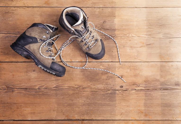 Scarpe vecchie, dove devono essere gettate?