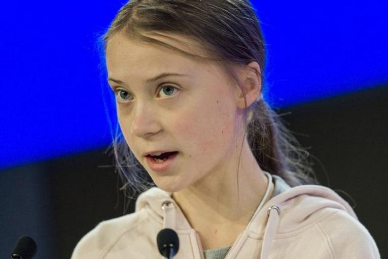 Greta Thumberg torna a scuola dopo l'anno sabbatico
