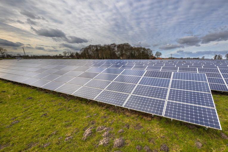 Pannelli solari, è possibile una casa completamente staccata dalla rete?