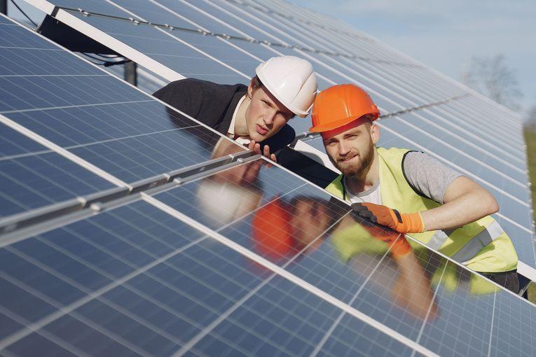 Pannelli solari, si possono montare senza permessi?